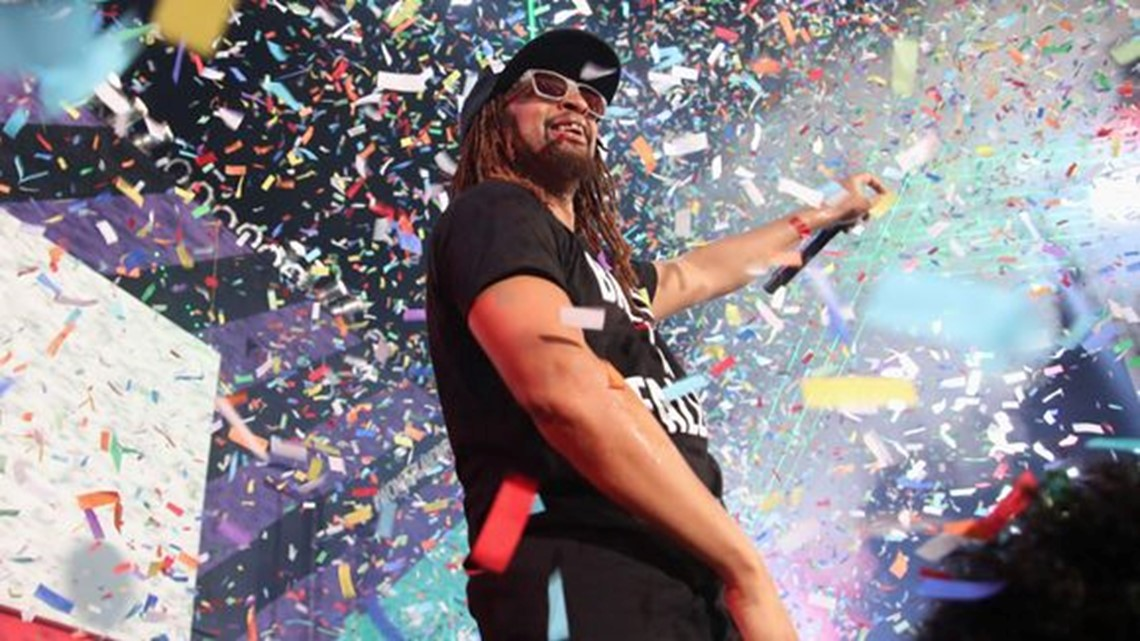 Yeah! Lil Jon teamed with the Kool-Aid Man for the holiday season's wildest video