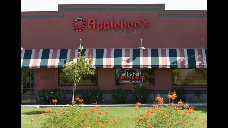 137527 biz-restaurants0808 Applebee's Exterior