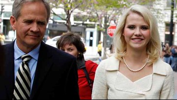 Father of kidnapping survivor Elizabeth Smart announces he's gay, leaving his wife