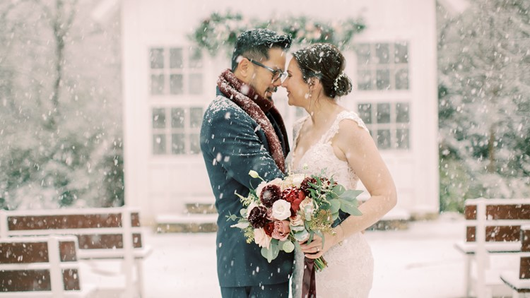'So incredibly surreal' | Snow falls on Texas couple's dream wedding
