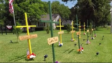 Neighbor builds memorial on front lawn for Santa Fe victims