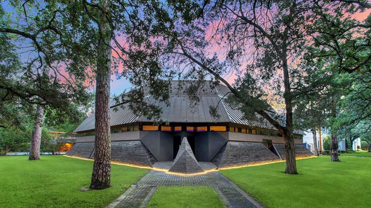 Photos: Out-of-this-world 'Darth Vader House' for sale in Houston