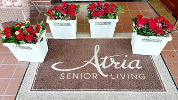'Thinking of you': Anonymous donor sends flowers to every resident at Kingwood senior living home