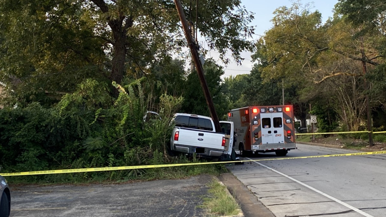 UPDATE: Driver pronounced dead after striking power pole in Tyler had been shot, police say