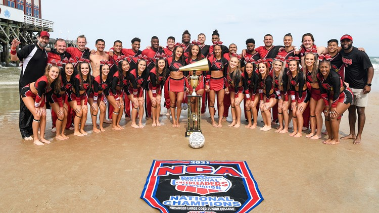 Trinity Valley cheerleaders defeat rival Navarro to secure 12th national title