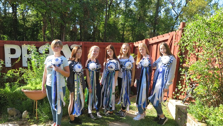 German Exchange Students with homecoming mums