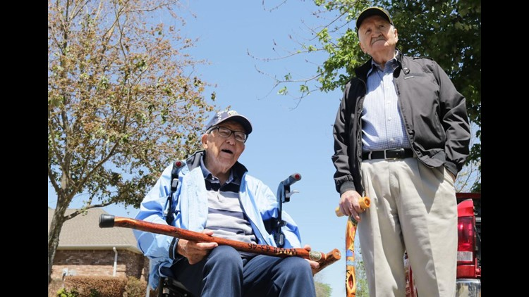 Two Tyler veterans receive handcrafted canes from Central Texas nonprofit
