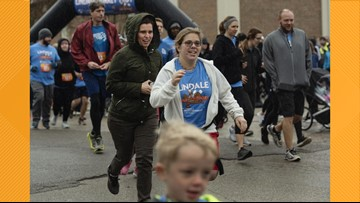Families burn calories before Thanksgiving dinner at inaugural Lindale Turkey Trot