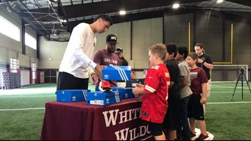 Mahomes donates shoes to grateful students at Whitehouse ISD