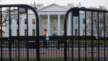 Lockdown lifted at White House after airspace violation