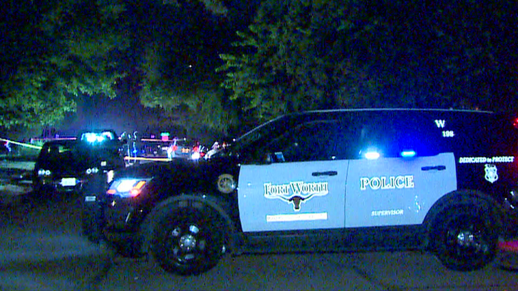 Police: Group wielding 'landscaping bricks' chased shooter as fight turned deadly in Fort Worth